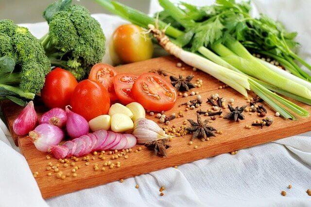 ausgewogene Ernährung gegen Stimmungstiefs