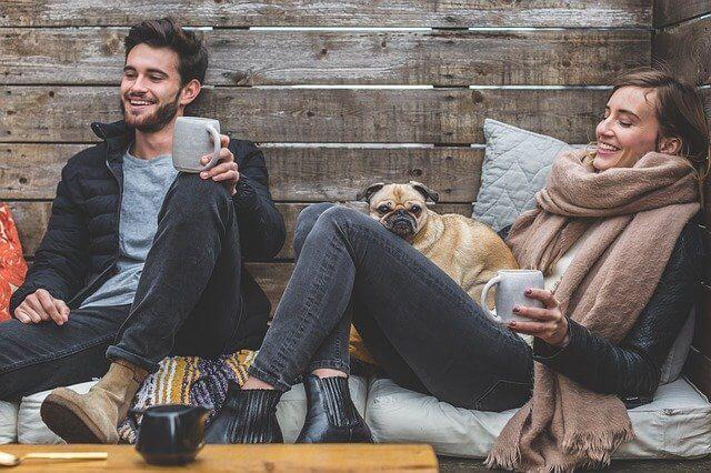 soziiale Kontakte pflegen für Glücksgefühle